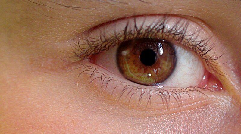 Polskie Towarzystwo Okulistyczne: można nosić soczewki kontaktowe w czasie epidemii COVID-19